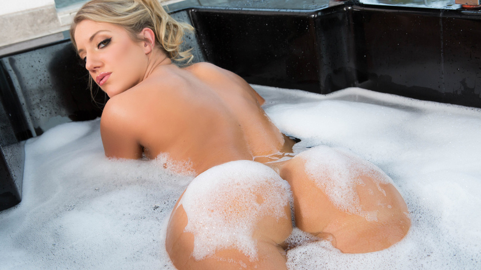 Big Wet Bubble Butt Bath