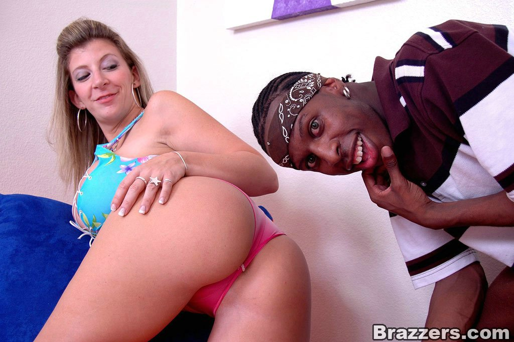 Huge Vanilla Ass Free Video With Sara Jay - Brazzers Official-3745